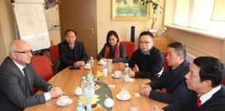 Delegacja z Huanggang w Piasecznie w 2015 r.
