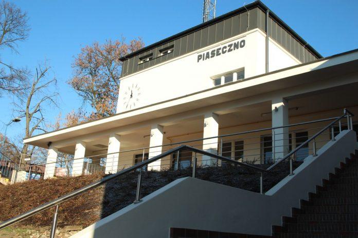 Odrestaurowany dworzec PKP w Piasecznie