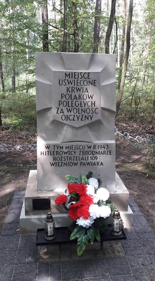 Pomnik, foto: Hania Kułakowska-Michalak, 15 VIII 2018 r.
