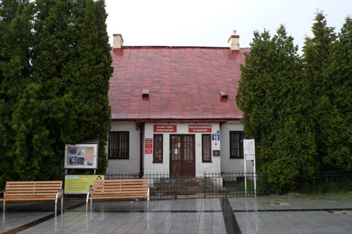 Zabytkowa plebania w Piasecznie