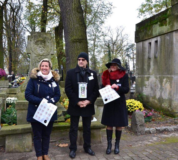 Kwesta 2017; źródło: profil na facebooku Społecznego Komitetu Renowacji Cmentarza Parafialnego w Piasecznie