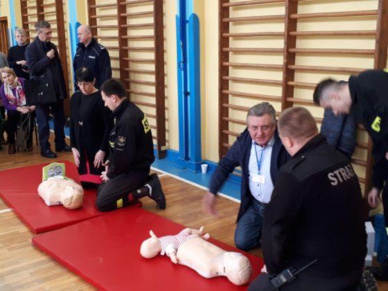Finał akcji - nauka udzielania pierwszej pomocy, foto UMiG Piaseczno