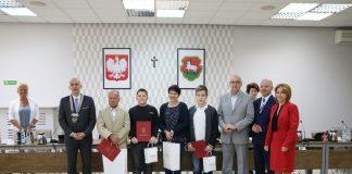 Sportowcy nagrodzeni na sesji Rady Miejskiej 18 kwietnia 2018 r., foto: Anna Grzejszczyk