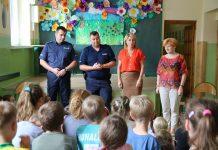 Lato w mieście - zajęcia z Policjantami o bezpiecznych zachowaniach w wakacje, przeprowadzone w szkole w Chylicach. Foto: Małgorzata Idaczek