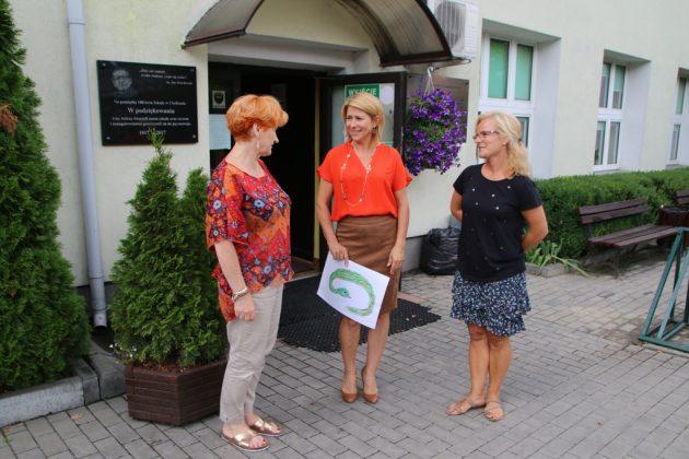 Lato w mieście - wizytacja pani wiceburmistrz w szkole w Chylicach. Foto: Małgorzata Idaczek
