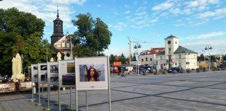 Sztuka obserwacji wystawa fotograficzna na rynku