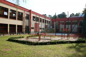 Rozbudowana szkoła podstawowa w Zalesiu Dolnym - foto Anna Grzejszczyk