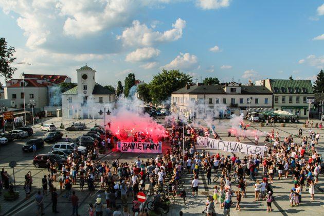Godzina W na piaseczyńskim rynku, foto Marcin Borkowski