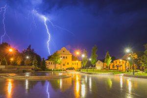Burza - skwer Kisiela w Piasecznie, foto: Artur Bociarski