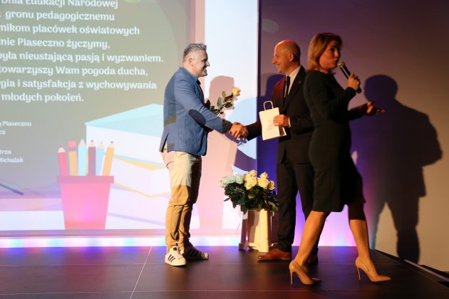 Wyróżnieni Dyrektorzy i Nauczyciele placówek szkolno-przedszkolnych z gminy Piaseczno
