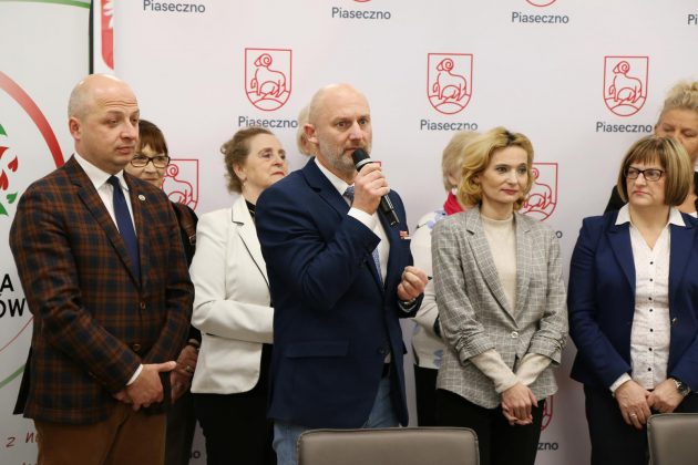 podpisanie umowy, foto Anna Grzejszczyk