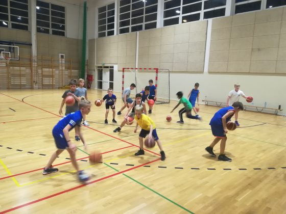 trening koszykówki