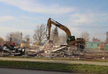 W listopadzie wyburzono hale i magazyny, teraz rozpoczęły się prace budowlene na terenie tagrowiska - foto Małgorzata Idaczek