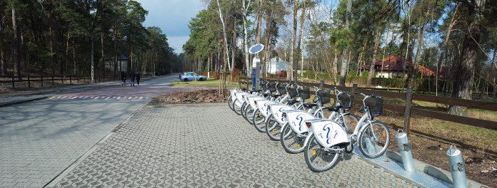 Piaseczyński Rower Miejski, stacja przy Górkach Szymona w Zalesiu Dolnym - foto Marcin Borkowski