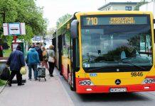 Autobus 710 na przystanku Kościelna przy ul. Jana Pawła II w Piasecznie