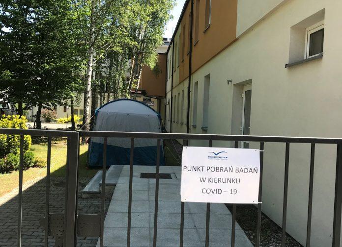 Punkt pobrań badań drive thru oraz badań w kierunku COVID-19 przy szpitalu w Piasecznie