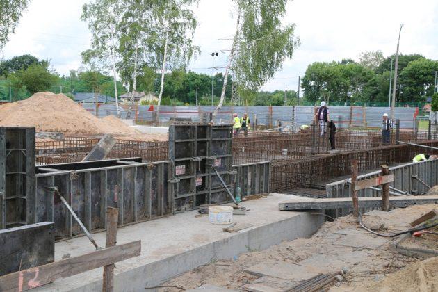 budowa hali sportowej przy SP Złotokłos, foto: Małgorzata Idaczek