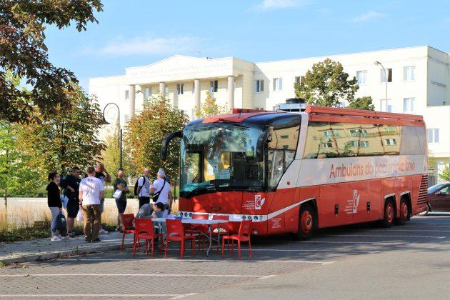Zbiórka krwi PCK przed Urzędem Miasta i Gminy Piaseczno
