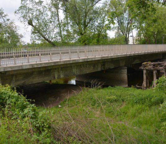 Na zdjęciu znajduje się most w miejscowości Żabieniec, droga krajowa 79