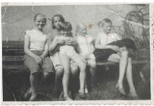 Najstarsza Mieszkanka Julianowa: Brudne, to brudne, ale jaki one mają luz, jakie powietrze