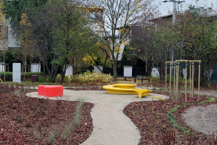 Park kieszonkowy przy ul. Cyraneczki w Józefosławiu