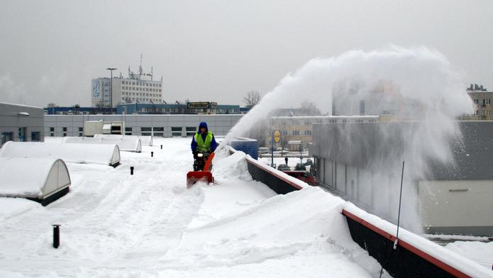 Odśnieżanie dachu, foto: www.alpitech.eu