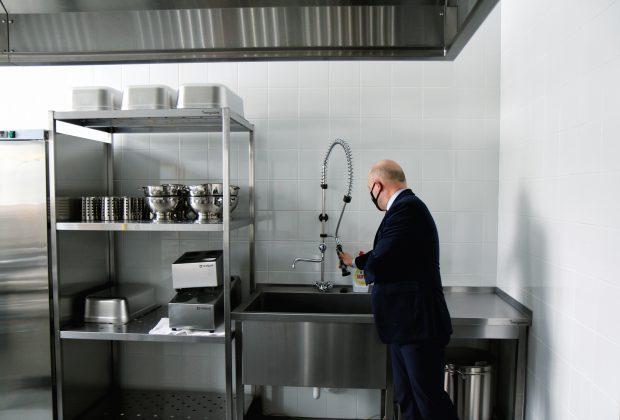 Rozbudowana Szkoła Podstawowa w Głoskowie - kuchnia