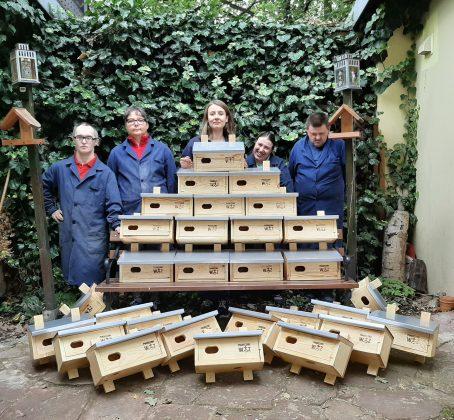 Ilustracja. Budki dla jerzyków wykonane przez uczestników Warsztatów Terapii Zajęciowej, foto archiwum WTZ Piaseczno