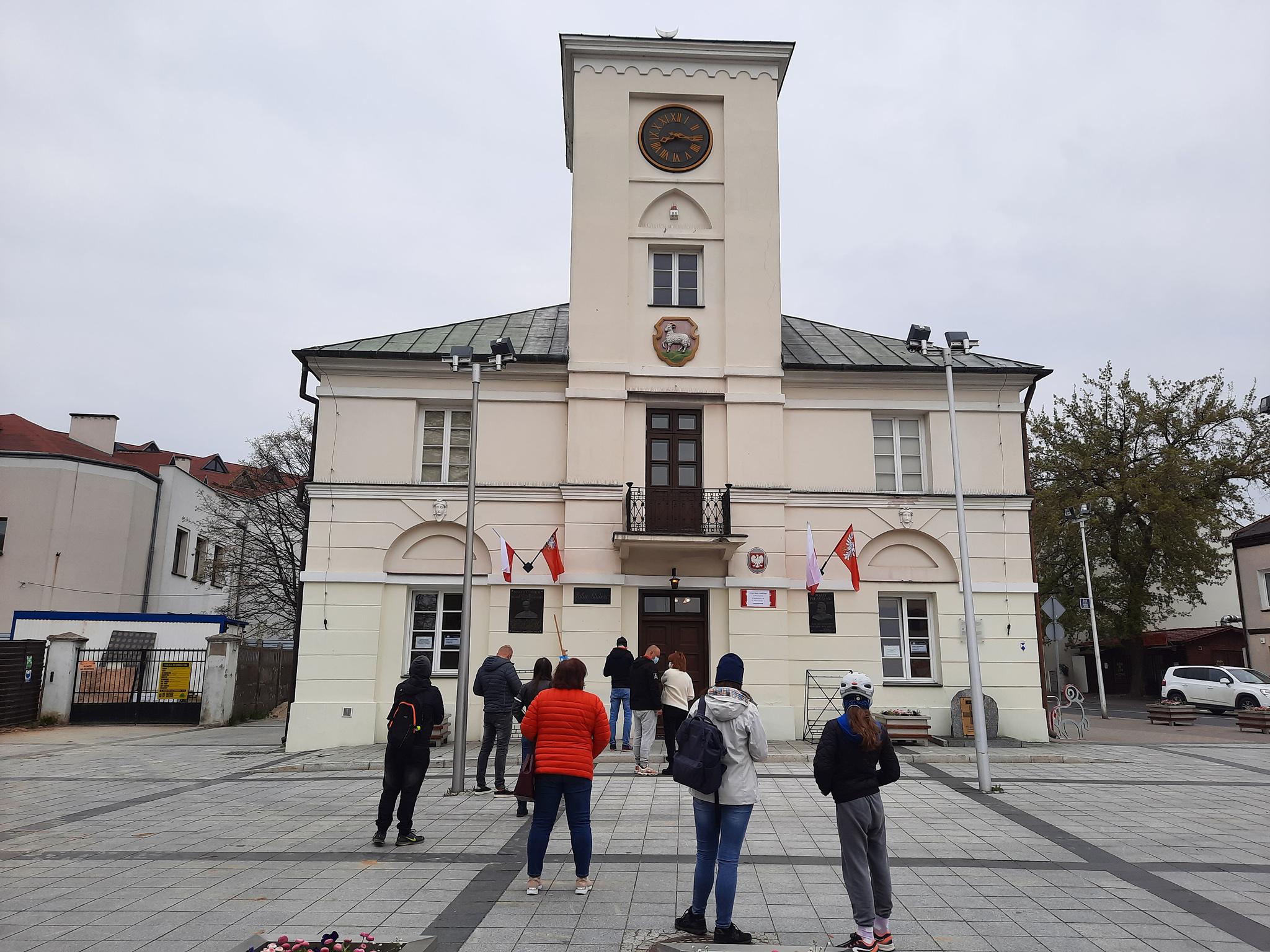 Ilustracja. Szczepienia w Ratuszu w Piasecznie