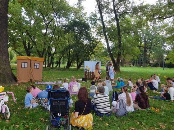 Spektakl ekologiczny pt.: W zielonej Krainie OZ w Parku Miejskim w Piasecznie