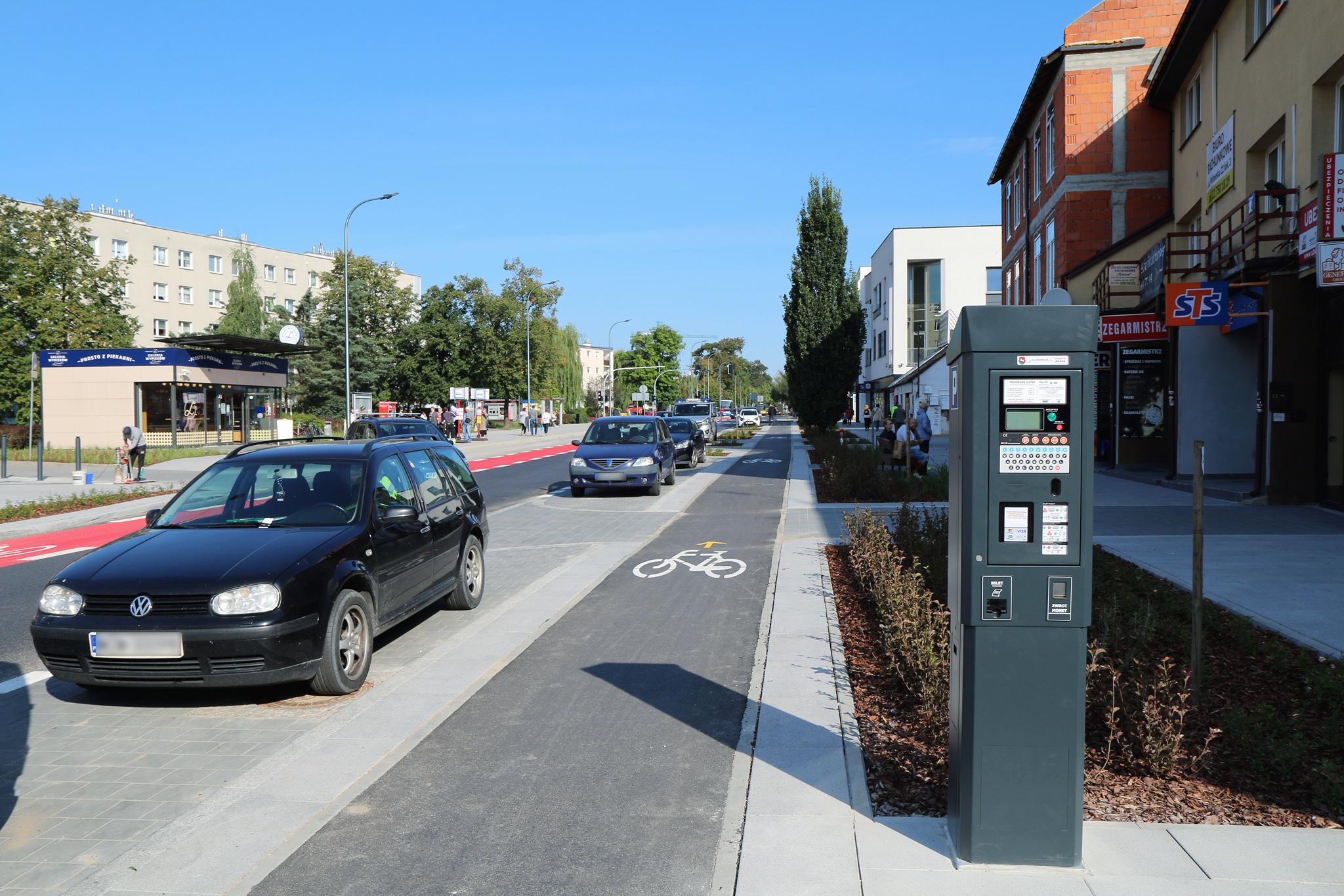 Rozszerzenie Strefy Płatnego Parkowania. Na zdjęciu fragment ulicy Puławskiej oraz parkomat.