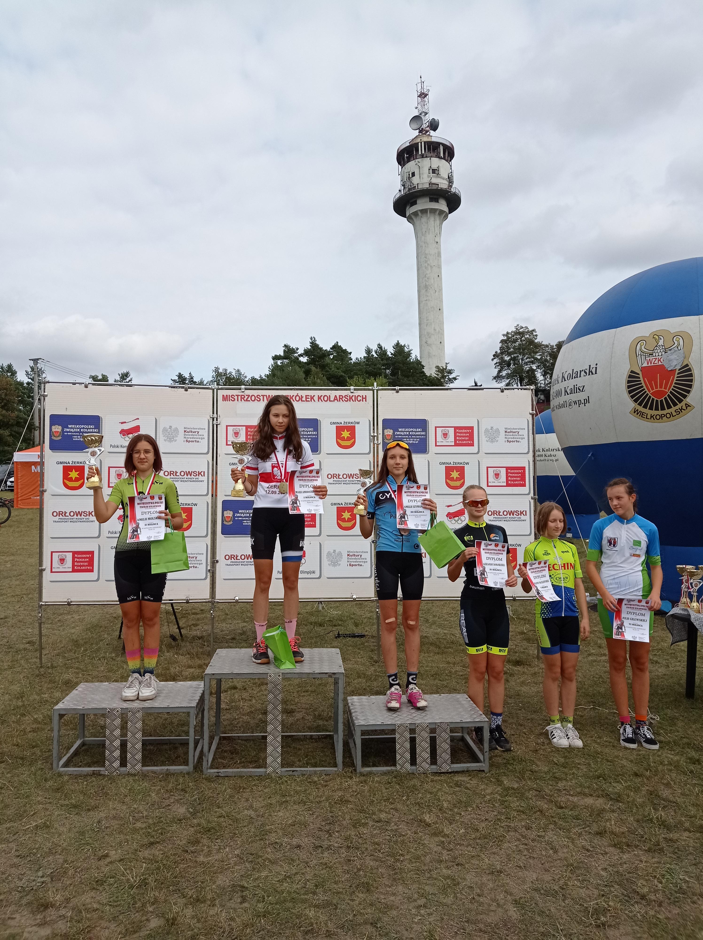 Maria Ambrozkiewicz odnosi sukcesy w kolarstwie górskim. Gratulujemy!