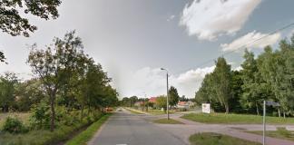 Zamknięcie ul. 3 Maja w Złotokłosie. Zawieszenie kursowania linii L-2. na zdj ęciu ul. # Maja w Złotokłosie na skrzyżowaniu z ul. Grottgera i Wojewódzką.