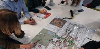 Jakie centrum Piaseczna? Na zdjęciu mapa centrum miasta z naniesionymi pisakami pomysłami na zagospodarowanie.